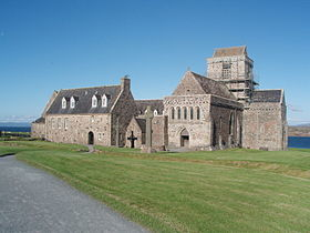280px-Iona_Abbey_-_July_2011 https://lhistoiredusoir.com Alfred le Grand